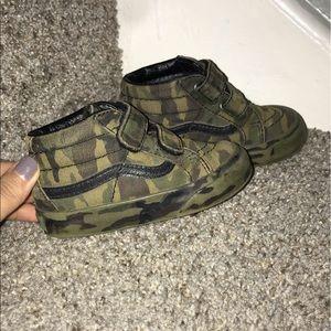 Camouflage Vans size 5